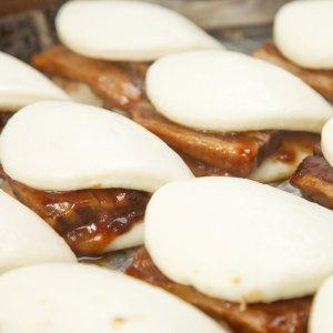 画像2: バラエティーセット(角煮バーガー・肉汁豚まん・チャイニーズバーガー・焼き豚まん・回鍋肉まん/各1個入)
